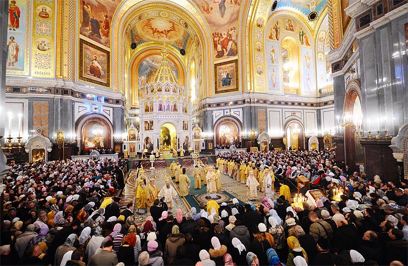 Богослужение в православном храме.