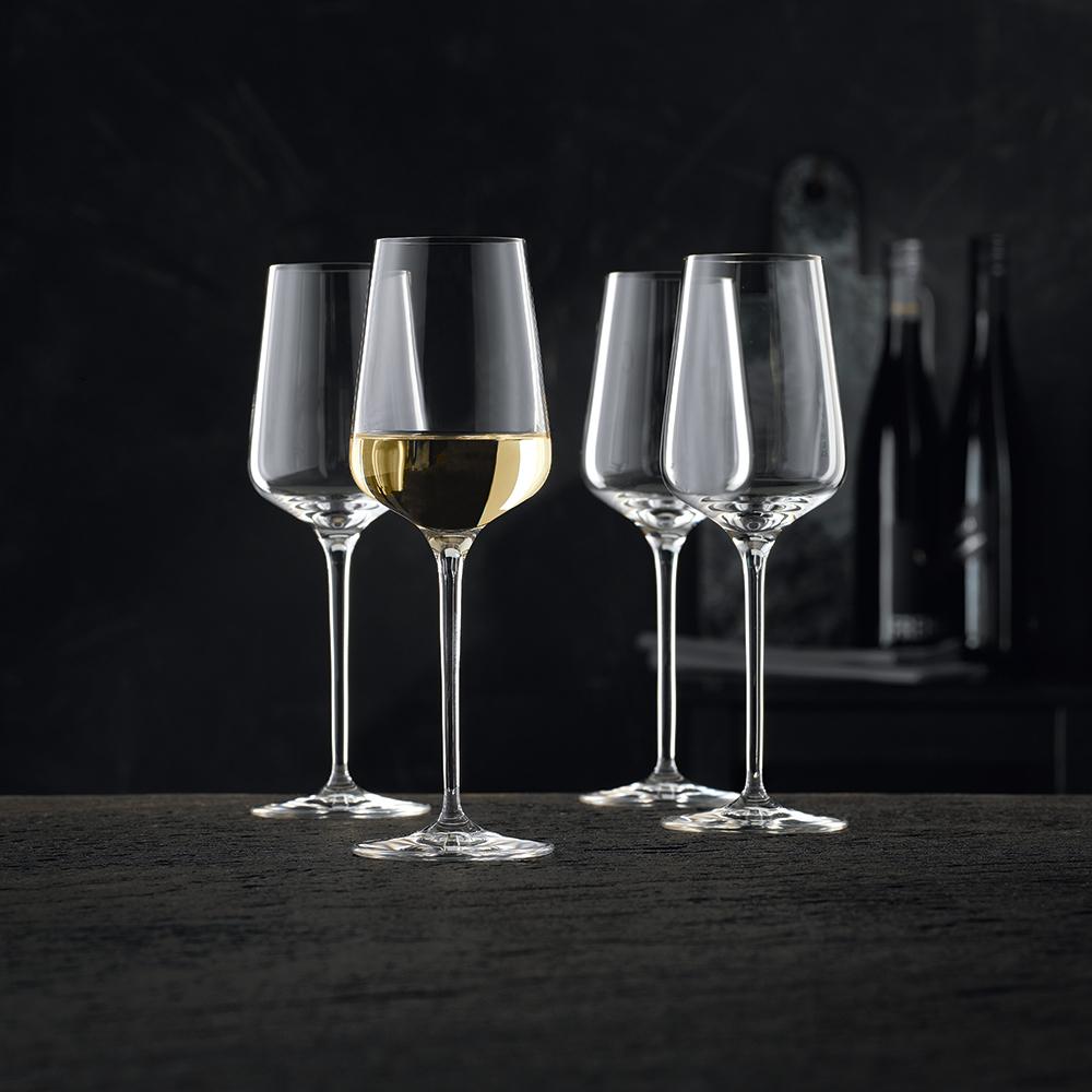 Бокалы для белого вина.