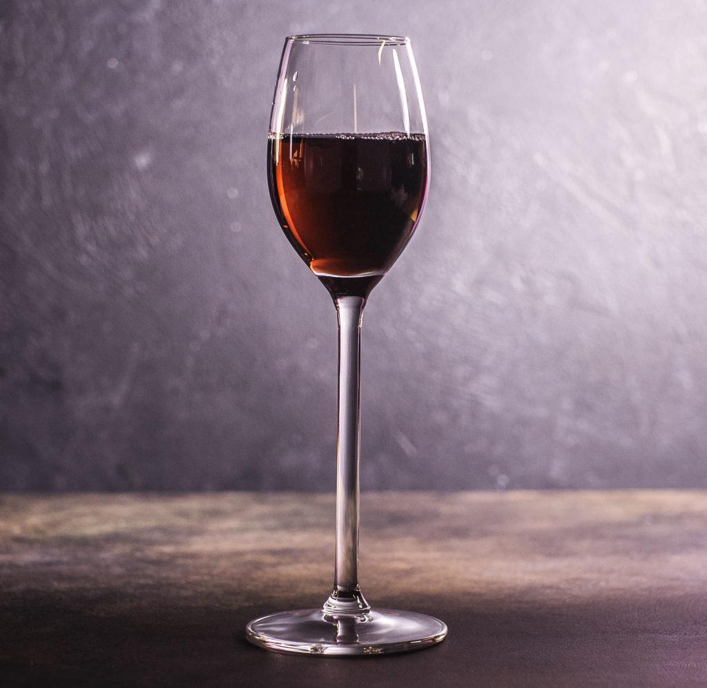 Бокал для десертного или креплёного вина.