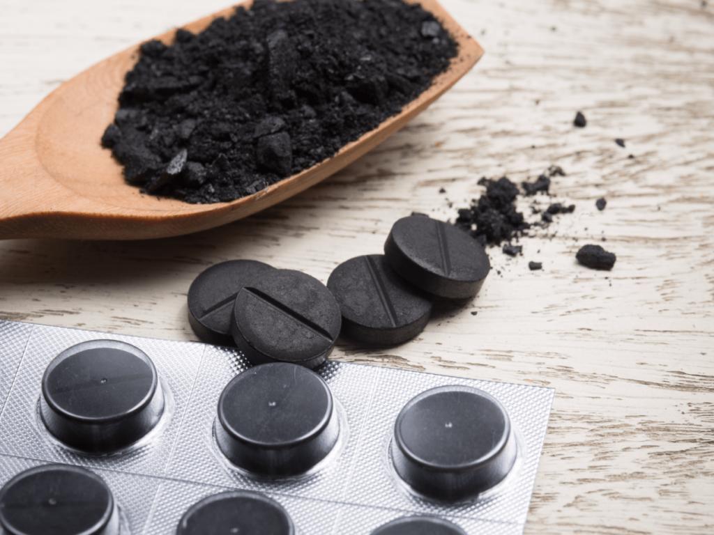 Чёрный уголь.